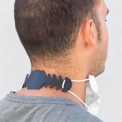 Ajustador para mascarilla - Foto en el cuello