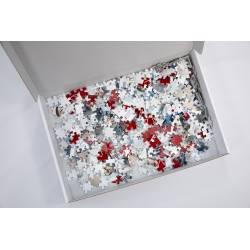 Caja de puzzle personalizado abierta con piezas